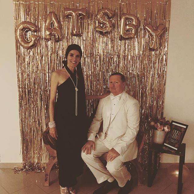 When a friend throws a themed birthday party and your husband is better dressed up than you 😆 Happy Birthday gorgeous girl @jewelseddonphoto #roaring20s #gatsby #birthdayparty #happybirthday