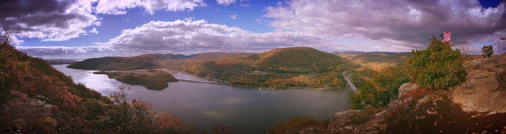ニューヨーク州、ハドソン・バレー。ハドソン川をマンハッタンから約一時間北上したこの地域の紅葉は10月後半が真っ盛り。