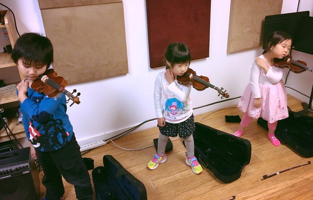 バイオリンの構えの練習