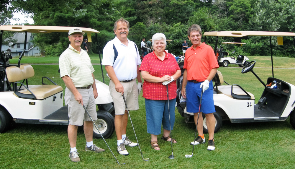 Golf team 2015.png