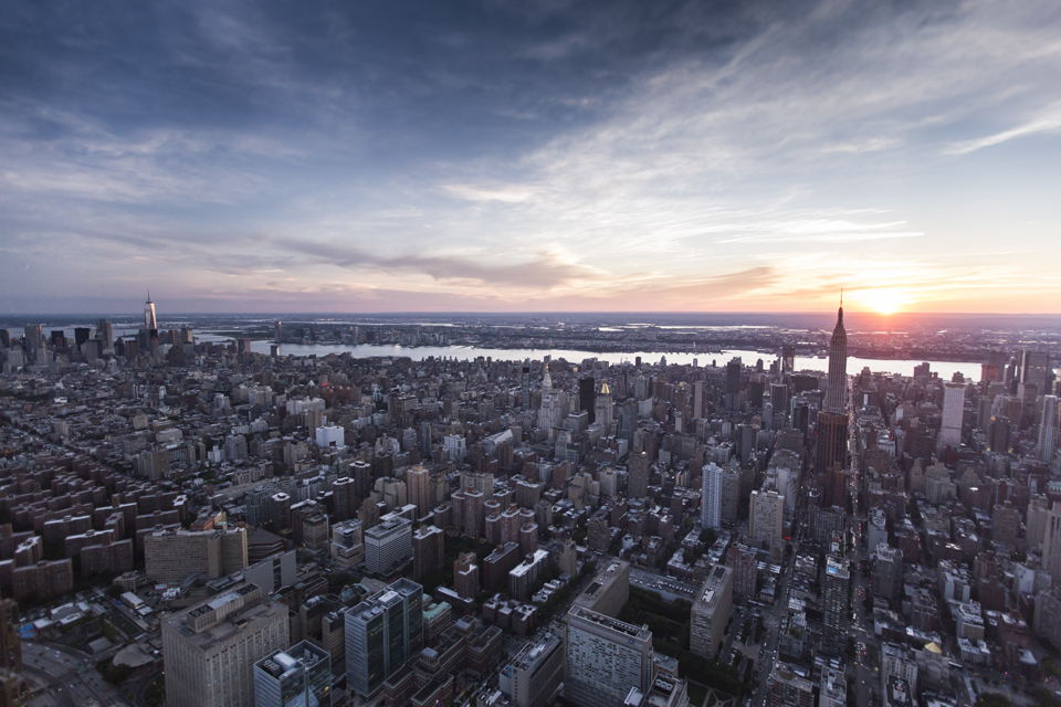 Another sunset over midtown.   Canon 6D, Canon 16-35mm f/2.8L @16mm (iso1250, f/2.8, 1/800s)