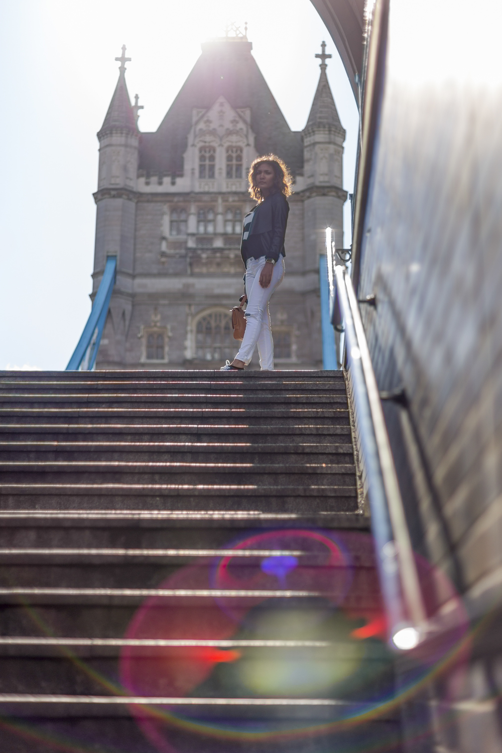 Amanda at Tower Bridge  Canon 6D, Canon 50mm f/1.4 (iso50, f/1.8, 1/4000s)
