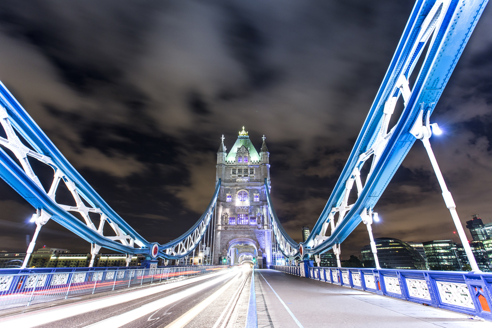 Tower Bridge  Canon 6D, Canon 16-35mm f/2.8L (iso200, f/5.6, 6s)