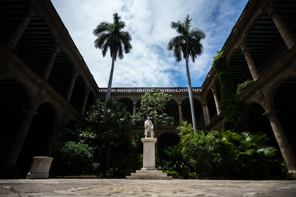 We passed by Palacio de los Capitanes Generales where there was this amazing courtyard that was roped off.  I had to pay 3 CUCs just to get on the other side to get this shot but I think it was worth it.   Sony A7RII, Zeiss Batis 18mm f/2.8 (iso50, f/2.8, 1/1250)