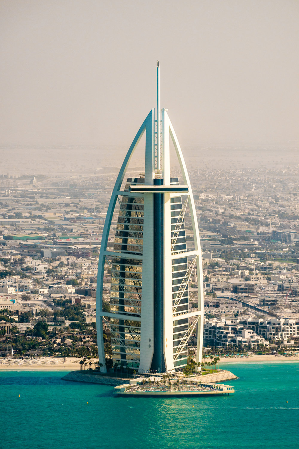 "nother candidate for ""favorite shot of the trip"".  A tight, clear view of the back of the Burj Al Arab. This was cool because this is a view you don't usually get to see since there's nothing but ocean here.  Sony A7RII, Sony 55-210mm f/4.5-6.3 (iso100, f/6.3, 1/500s)"