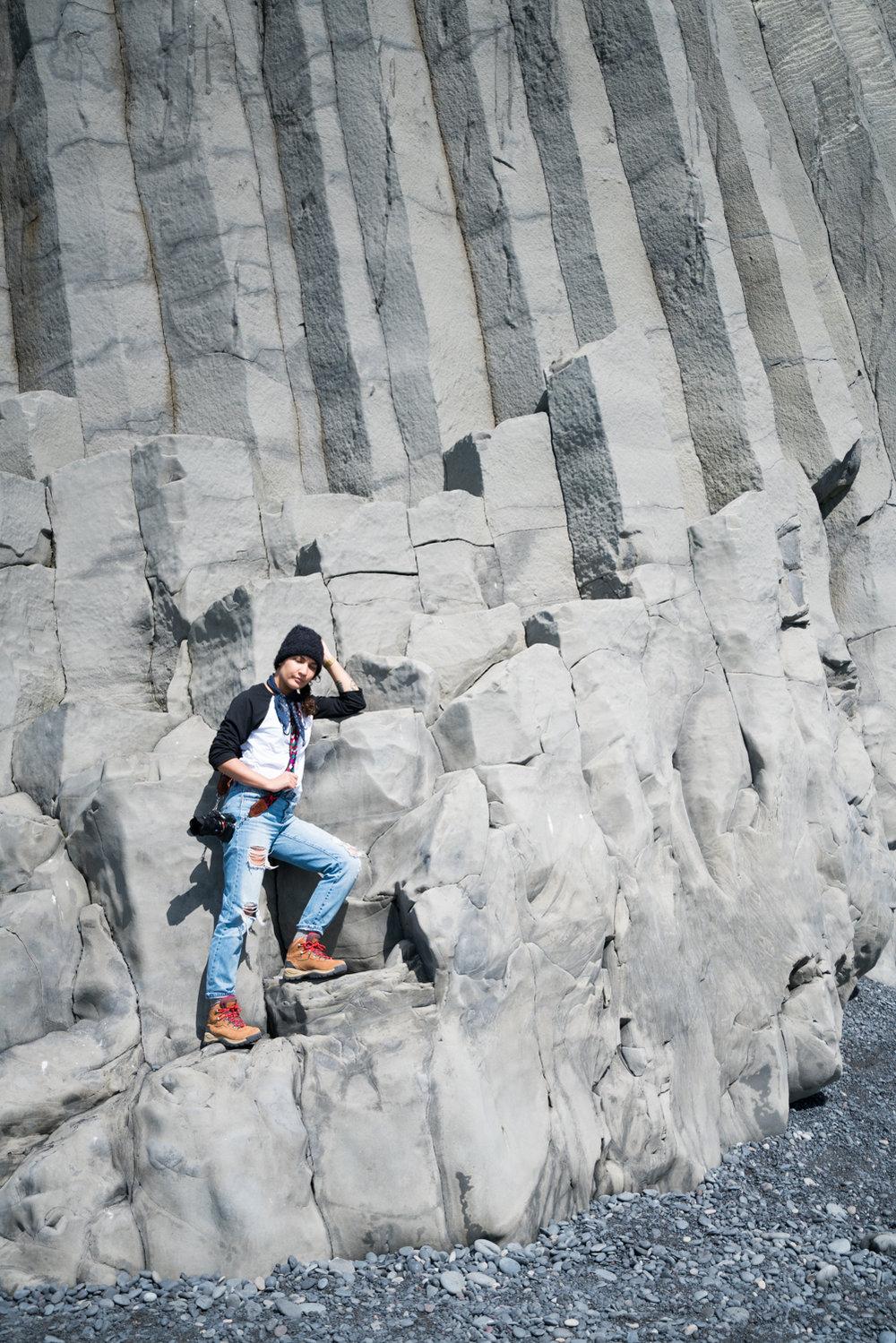iceland vik black sand beach rocks amanda lee