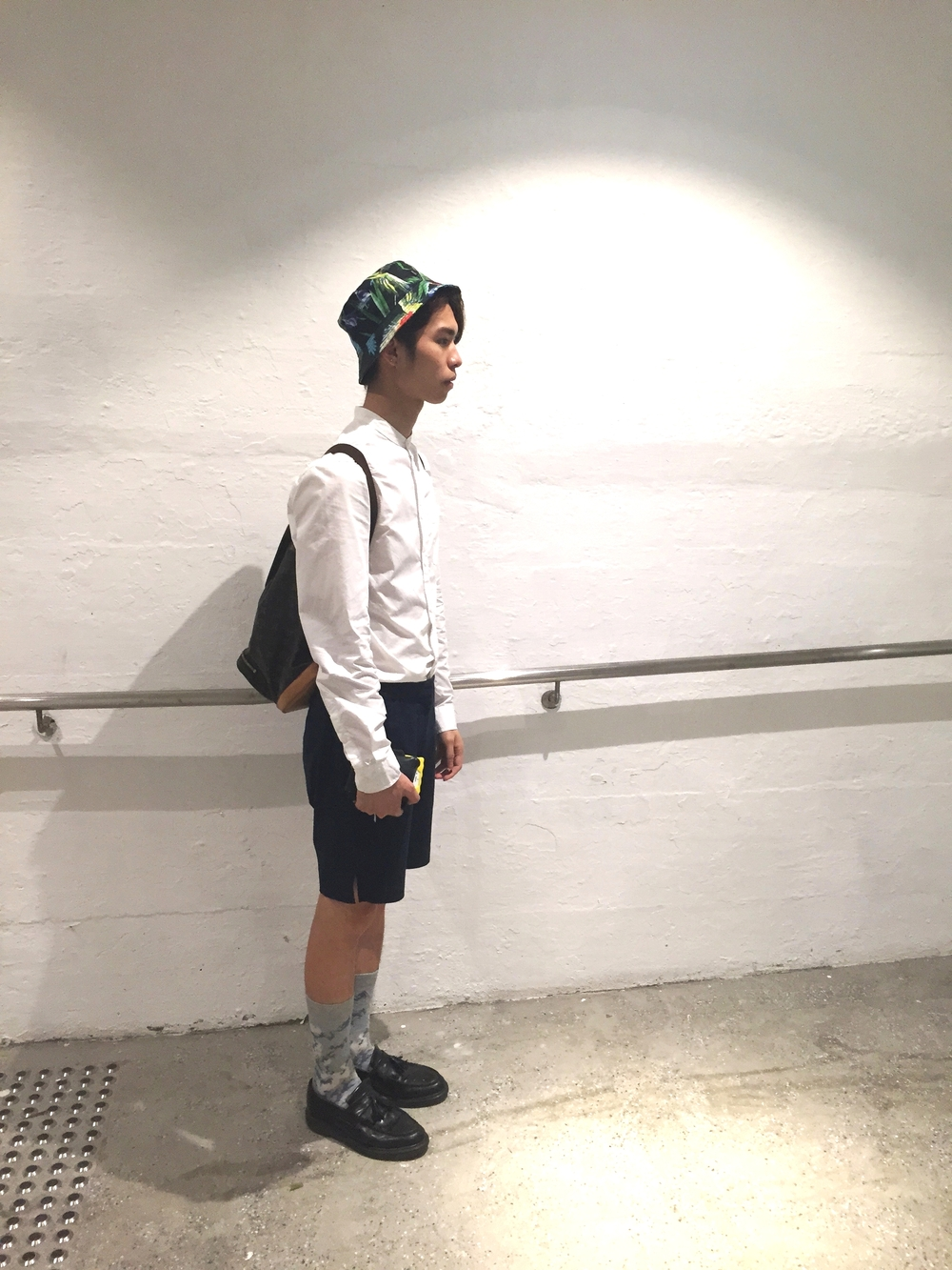 Mite wears :   Shirt - H&M  Shorts - Grandma Vintage   Socks - GV   Shoes - Dr. Martens   Hat - H&M  Bag - Louis Vuitton