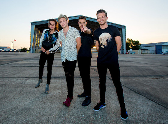 rs_560x415-150821042818-1024-one-direction-drag-me-down-7.jpg