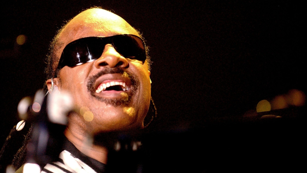 stevie-wonder-black-bg.jpg
