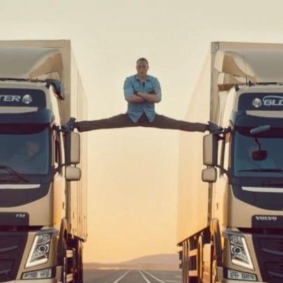 ht_jean_claude_van_damme_volvo_truck_split_ll_131115_16x9_992.jpg