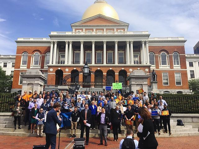 #rally at the MA State House today in support of #solar energy and #jobs. The entire Commonwealth, as well as these workers and their families, depend on smart policies – raise the net metering cap, reverse the solar surcharge and support a strong SMART program before the end of the #legislative session#votesolar #solarisworking