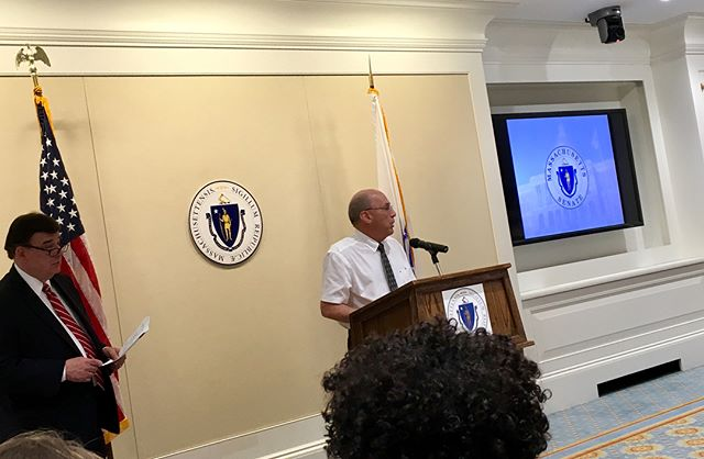 @healthcarewithoutharm's Bill Ravanesi and #senatorpacheco at today's Clean Energy Advocacy Day. Included are some highlights of the bill #communitysolar #RPS #pipelinelimits #offshorewind #macleanfuture #solarpower #mapoli