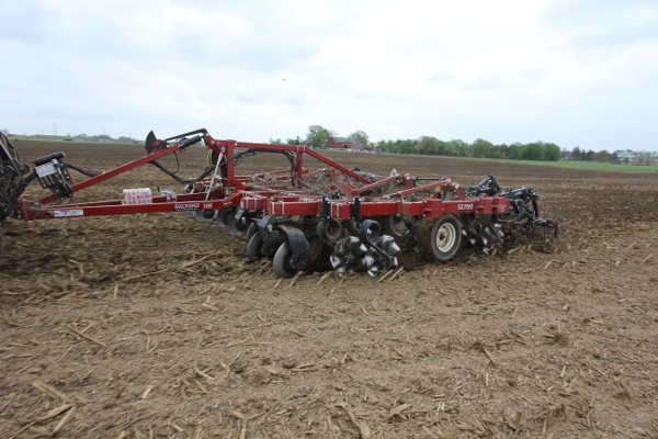 I-4200 Tillage Hybrid Vertical Tillage residue management