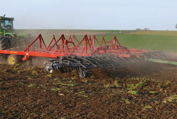 universal harrow in tillage