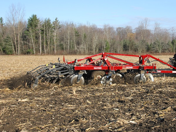 Salford I-5100 tillage machine