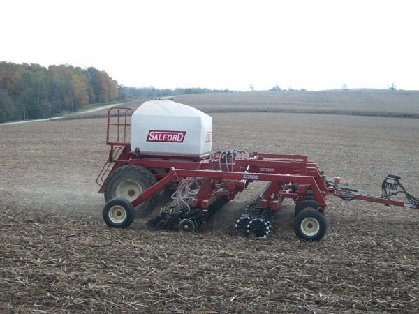Salford tillage and commodity cart