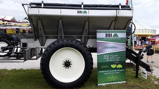 Salford BBI Javelin 120 ft urea spreader