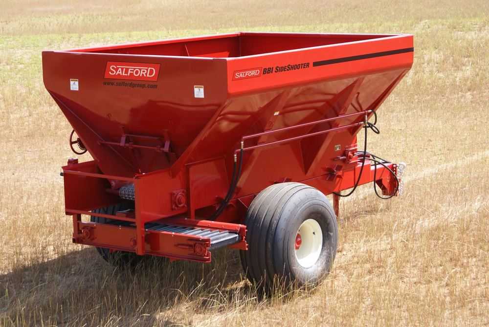 BBI SIDE SHOOTER DAIRY SPREADER