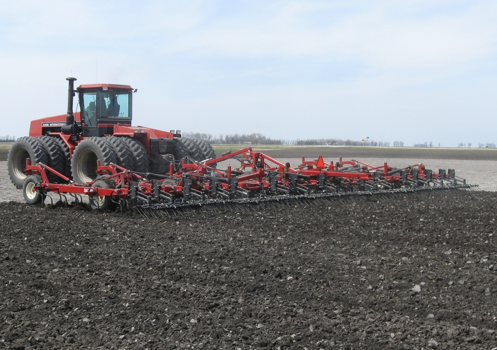 700 S-tine cultivator