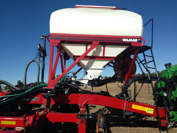 Valmar ST-6 Granular Fertilizer Applicator