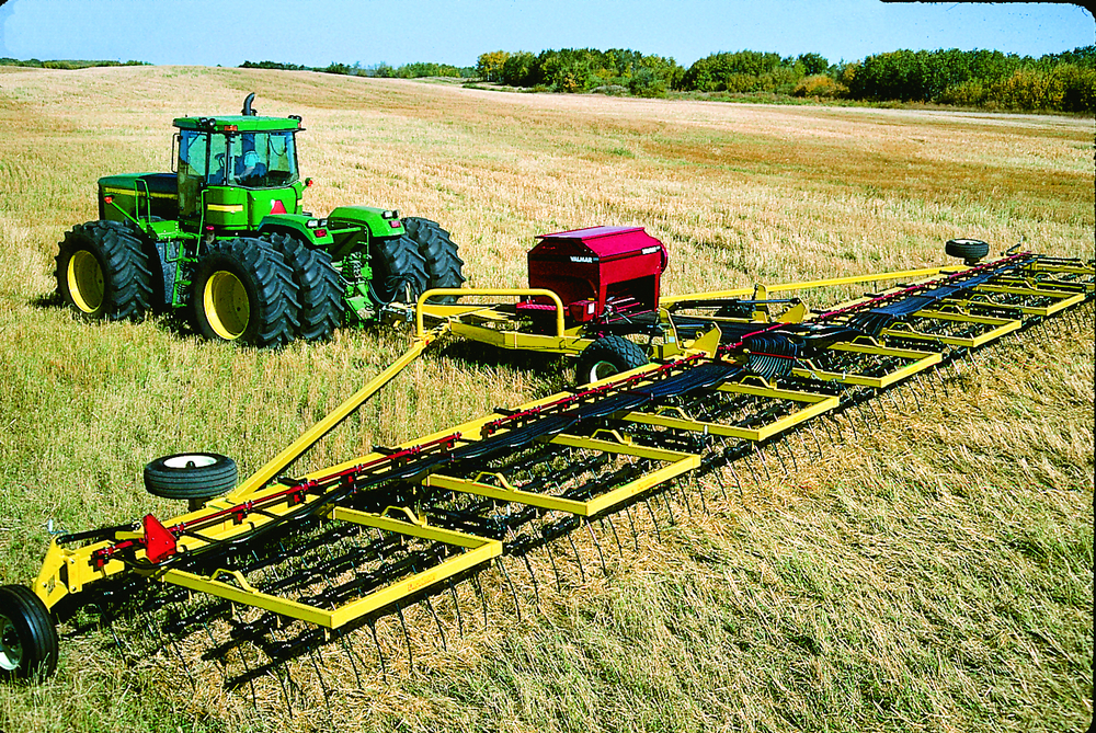 Valmar 55 Series Implement-Mount In The Field (7/8)