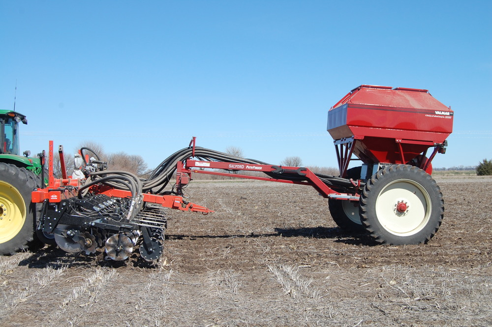 Salford pathfinder self steering fertilizer application cart.  equipped with valmar st-8