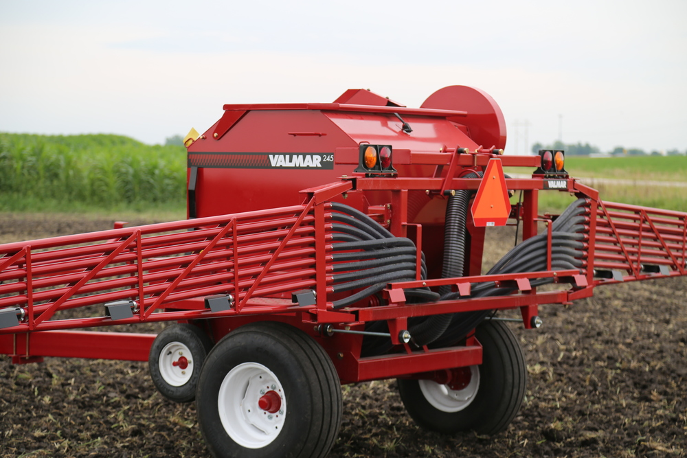 Valmar 246 Pull-Type Granular Applicator