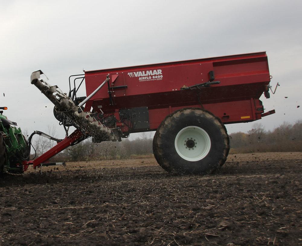 AirFlo 8600 Fertilizer Spreader (3/9)