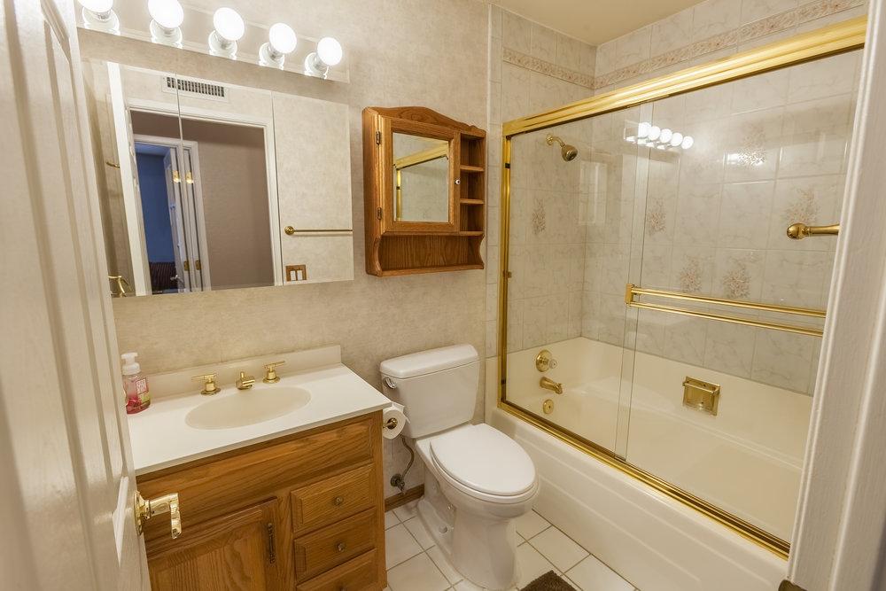 17911_Chaparral_Way-Bathroom_01.jpg