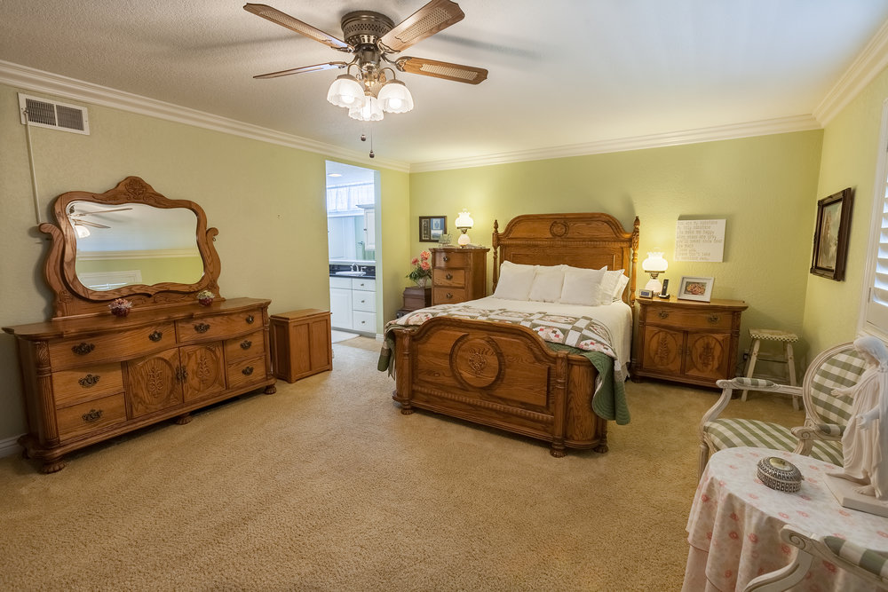16616_Greenbrook_Cir-MasterBedroom_02.jpg
