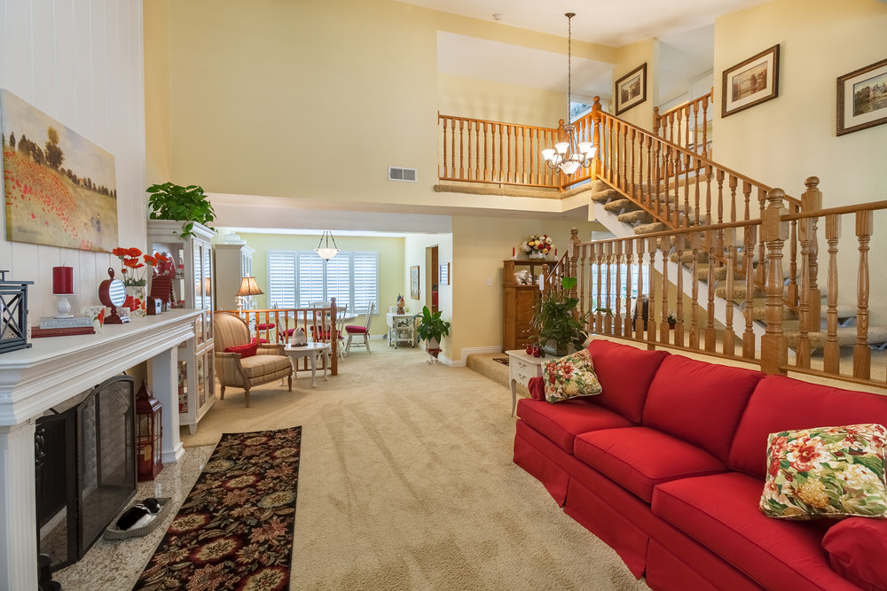 16616_Greenbrook_Cir-LivingRoom_02.jpg