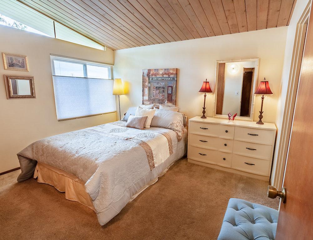 5908_Los_Encinos_St-BedroomTwo.jpg