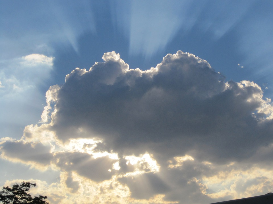 dark-cloud-186502_960_720.jpg