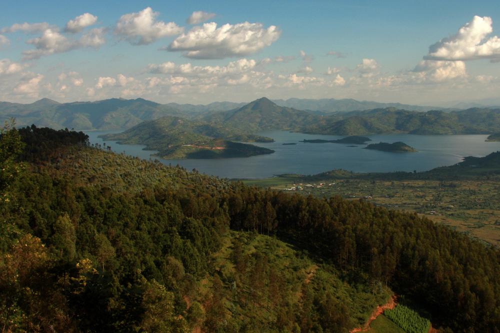 İkiz göller Lake Burera ve Lake Ruhondo   Canon 5dMkII + Canon 24-105mm f4.0