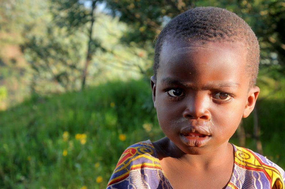 Afrika'da bir çocuk    Canon 5d MkII + Canon 70-200mm f2.8 IS