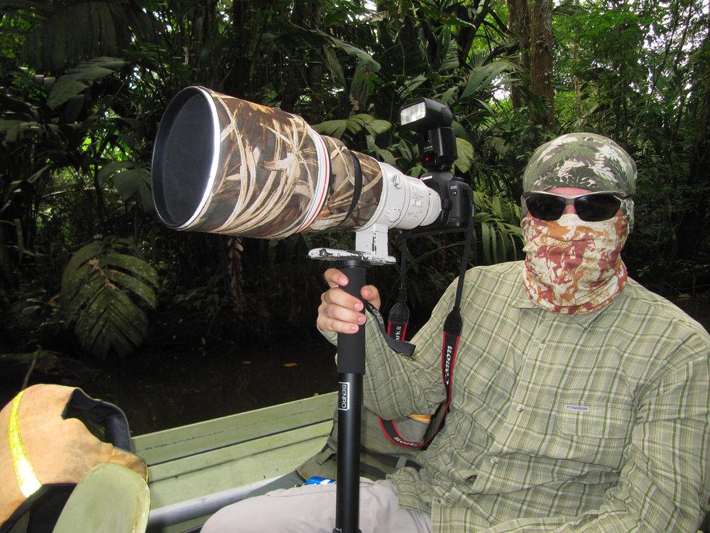 Tortuguero'da böceklerden korunmaya çalışırken...