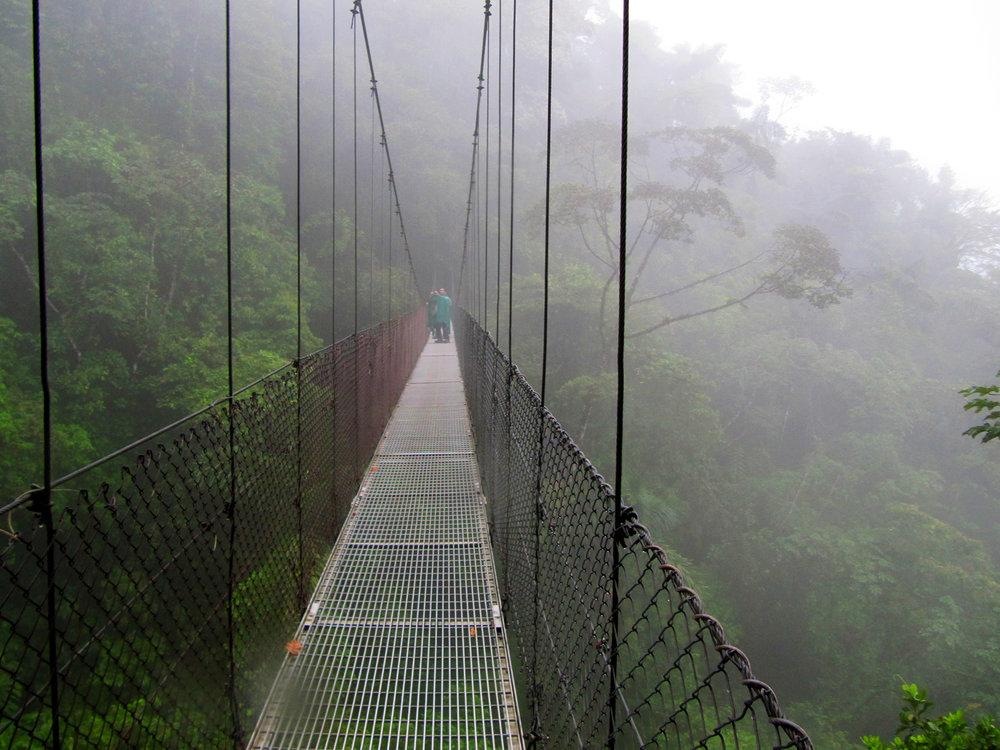 Arenal'in asma köprüleri...