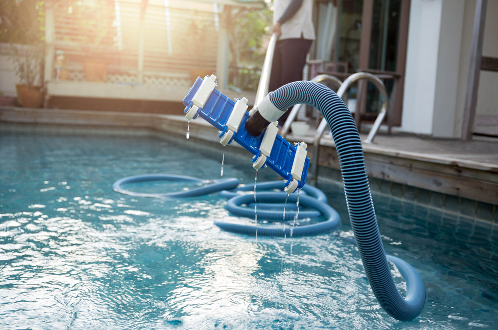 How to Spot a Swimming Pool Leak