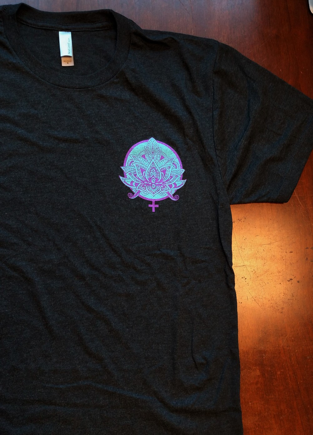 Vintage T-Shirt (Small Logo)