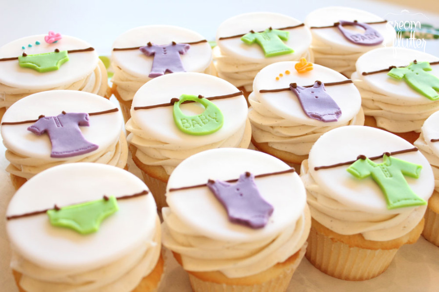 Clothesline Baby Shower Cupcakes
