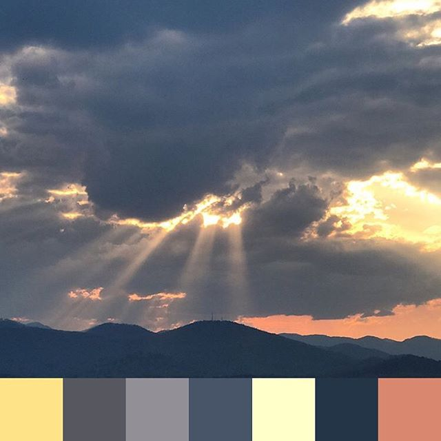 Sunset view by @jamgal in Asheville 👏 #foundpalettes