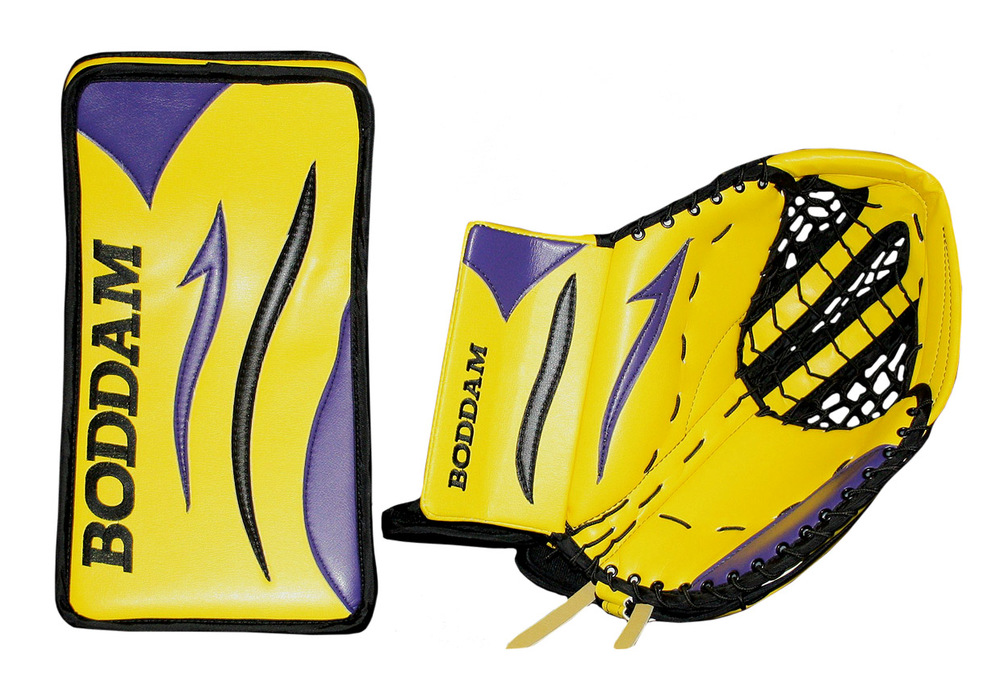 Chappell_yellowpurplegloves.jpg