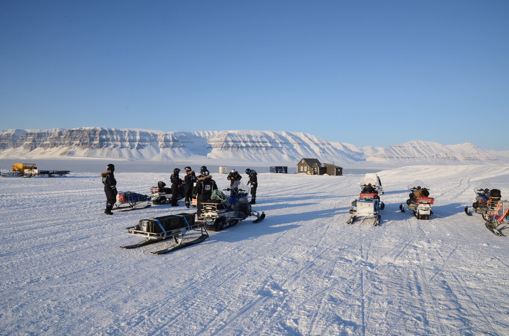 Arctic field experiment with members of the AirSea Lab in Svalbard in March 2015