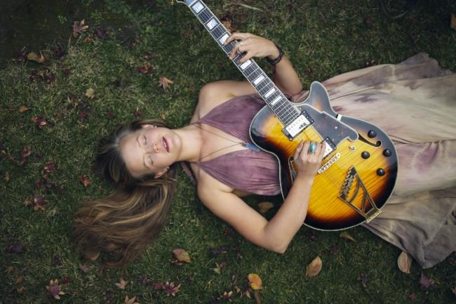 Emily Elbert by Taiga Kunii.jpg