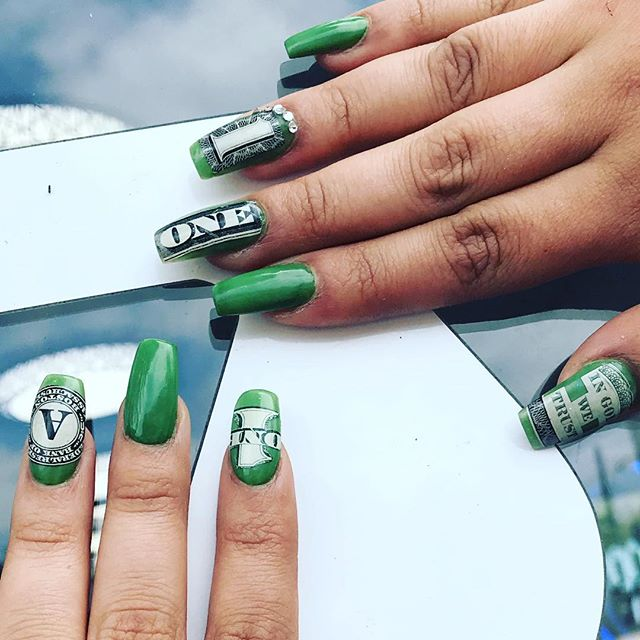 Mucho Dinero! acrylic nails  drippedhtx.com #houstonnails