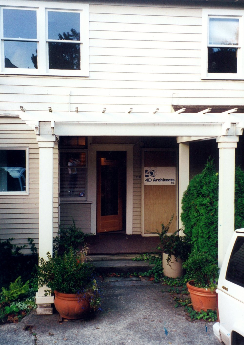 11-OfficeEntrance.jpg