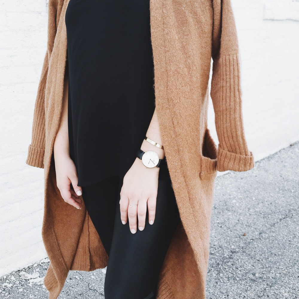 chicwish cardigan via @rosetoroses