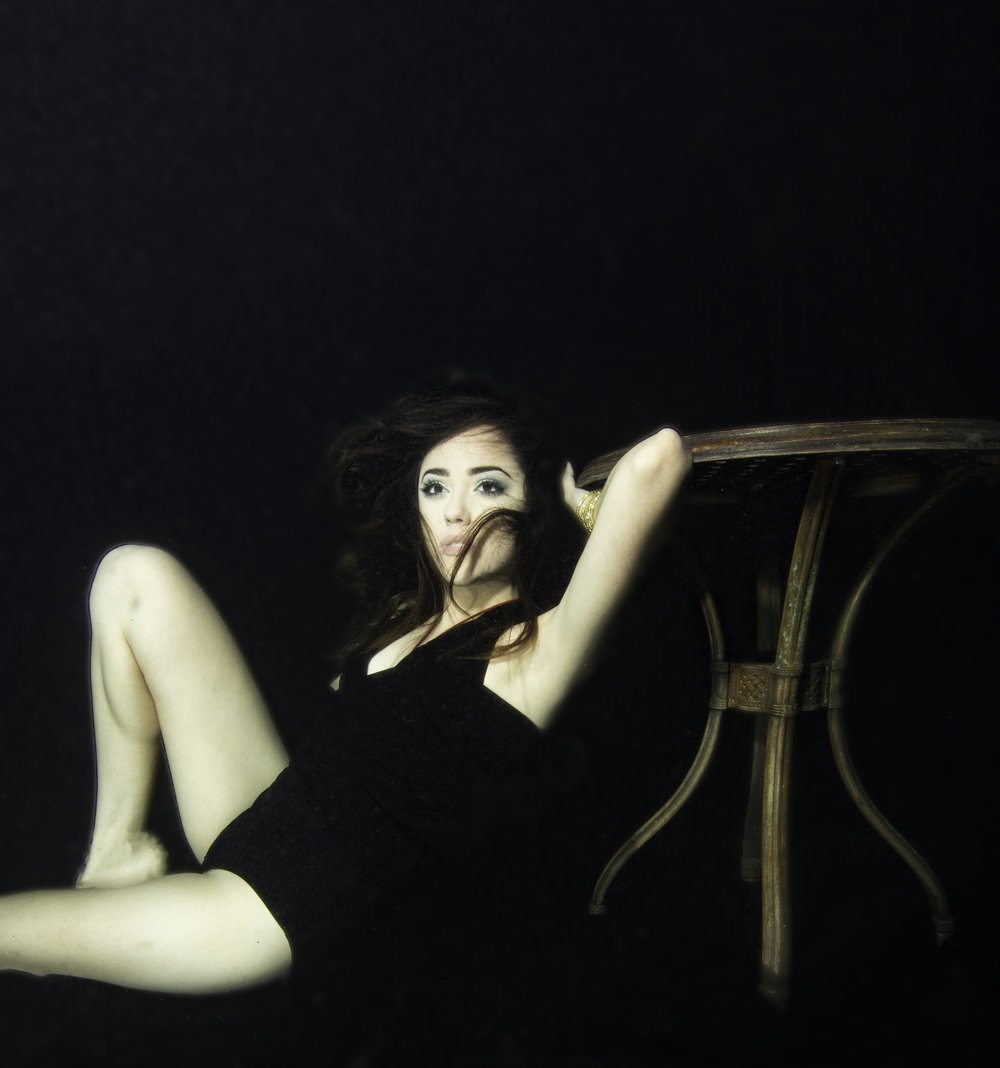Alondra Reclining Underwater