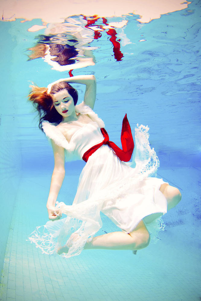 beautiful-women-underwater-photography-7.jpg