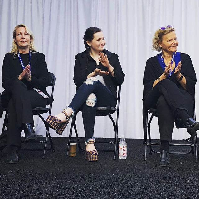 This weekend was the 21st Annual @sonomafilmfest where Sophie attended a panel discussion inspired by the 50/50x2020 movement to create gender-balanced leadership in all orgs by 2020.  The panel featured actress Abigail Breslin AKA Little Miss Sunshine (center) and wonderfully moderated by @people senior entertainment editor @jdheyman . . . #sonomafilmfest #sonomafilmfestival #sonoma #sonomacounty #genderequality #womenleadership #womeninfilm #womeninmovies #unconsciousgenderbias #peoplemagazine #5050x2020